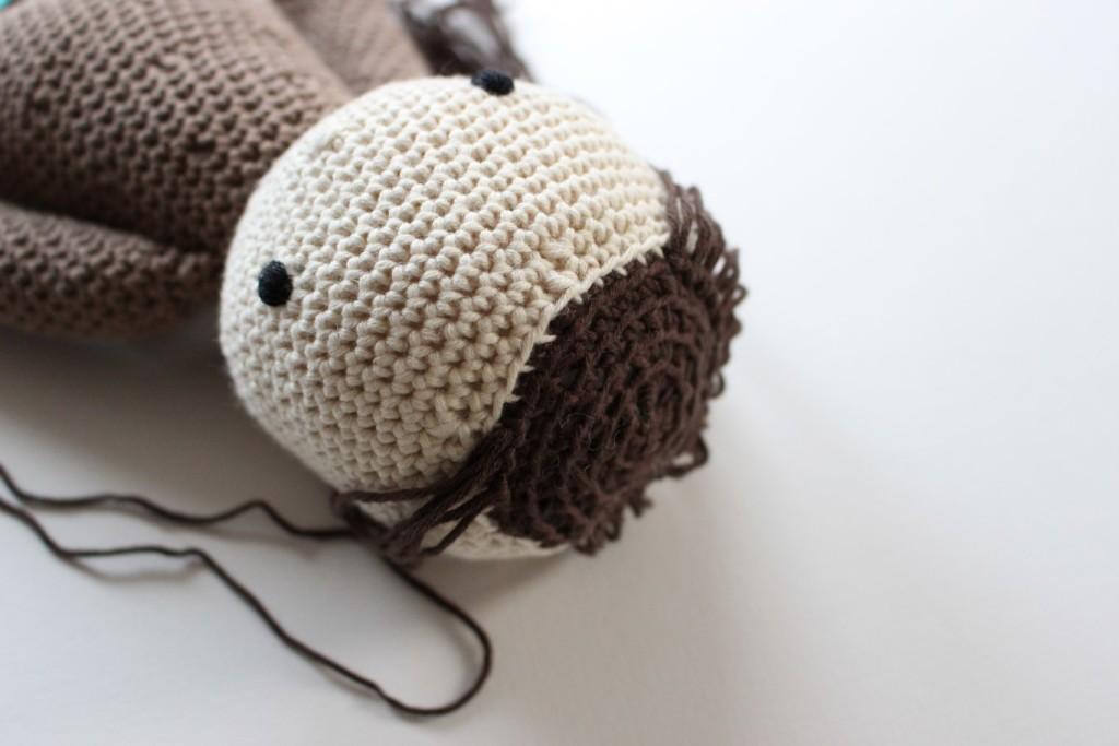 jak zrobic wlosy szydelkowej lalce - ulatwienie z tylna czescia oczek