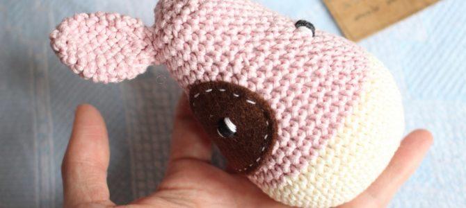 Problem: za duże dziurki między oczkami w amigurumi