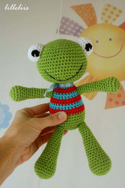 free-amigurumi-pattern-frog