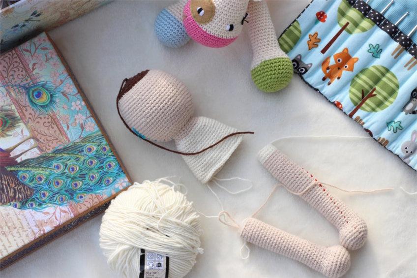Szydełkowa lalka – cz. 3 ręce i nogi