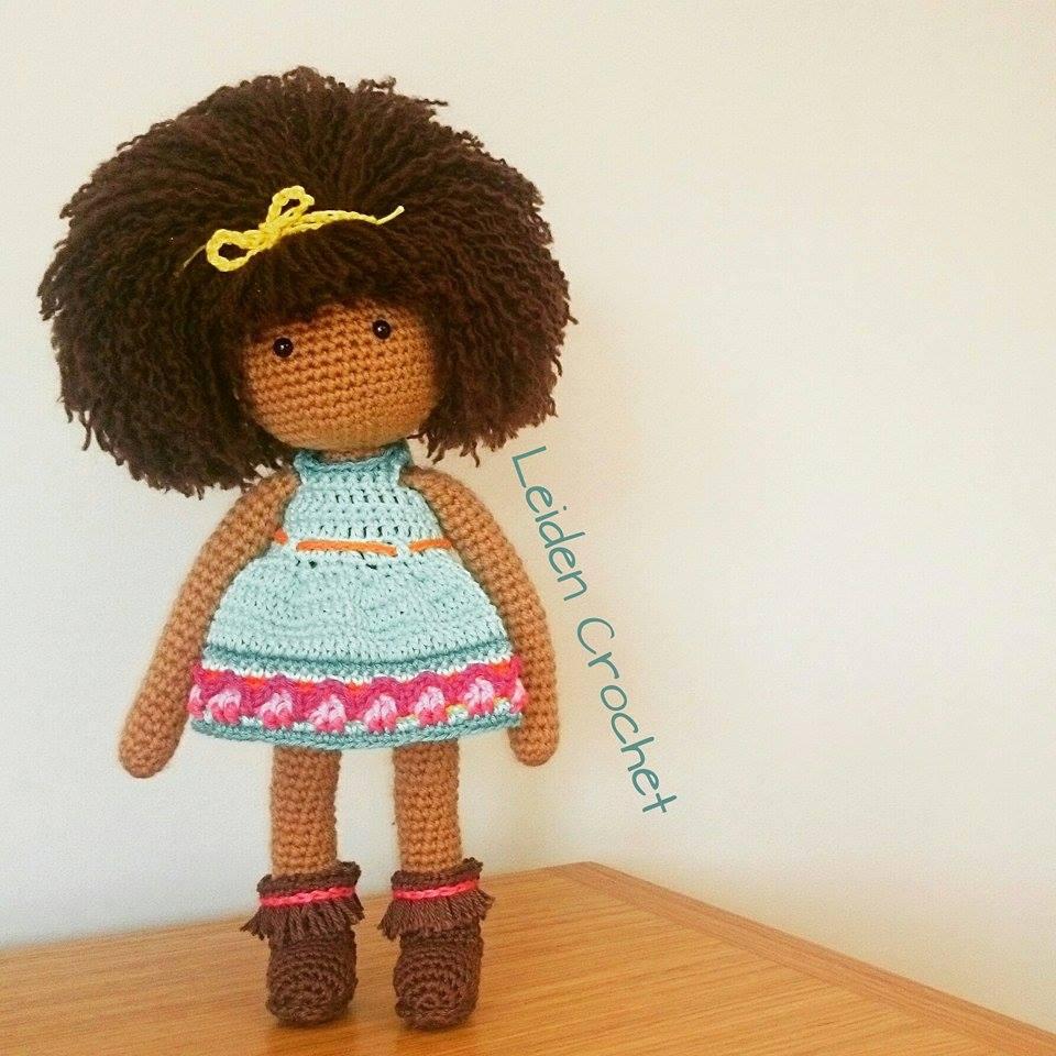 leiden crochet_sliczna lala czupryna afro i niebieska sukienka