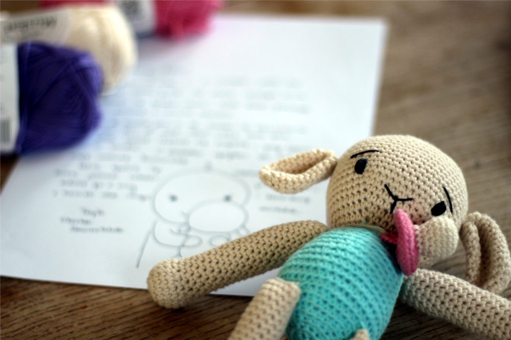 szydelkowa owieczka na pomoc w odstawianiu smoczka